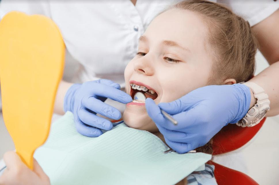 تقويم الأسنان لدى الأطفال