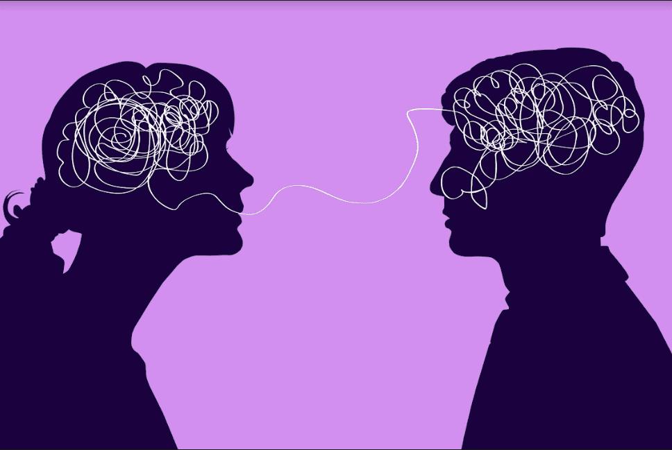 بين الرجل والمرأة: من الأكثر قدرةً على قراءة العقول؟