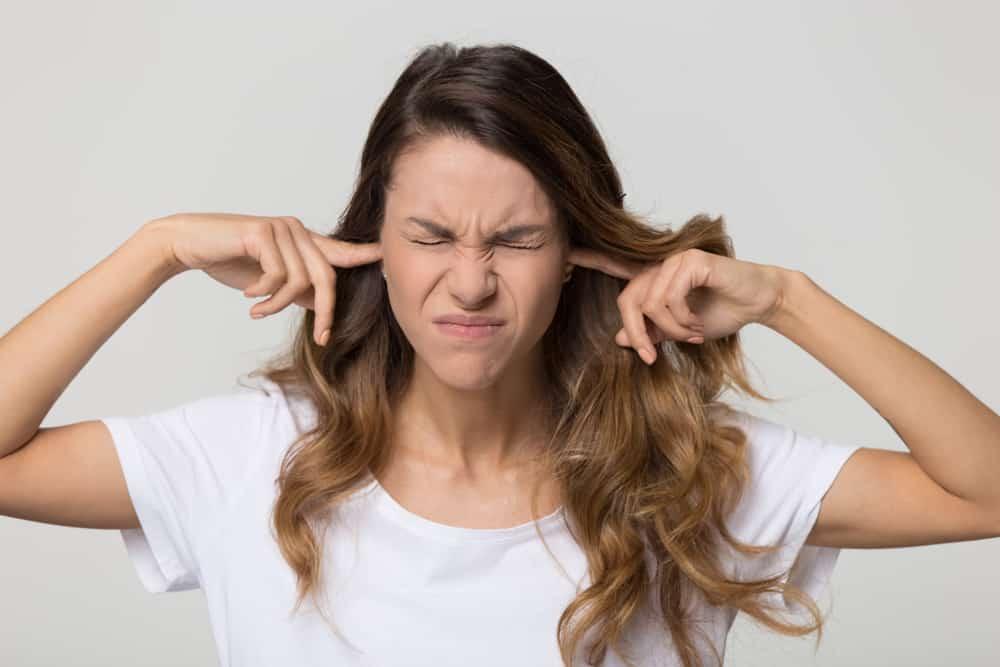 تخلص منها: إليك كيف تتجمع السوائل خلف طبلة الأذن