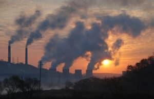 نتعرض إليها يومياً: إليك أضرار الانبعاثات الكيميائية على الجسم