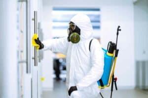 هل تعقيم الأسطح ما زال ضرورياً للحد من انتشار فيروس كورونا؟