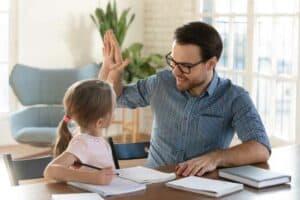 5 أشياء تجب مراعاتها عند اختيار التعليم المنزلي لطفلك