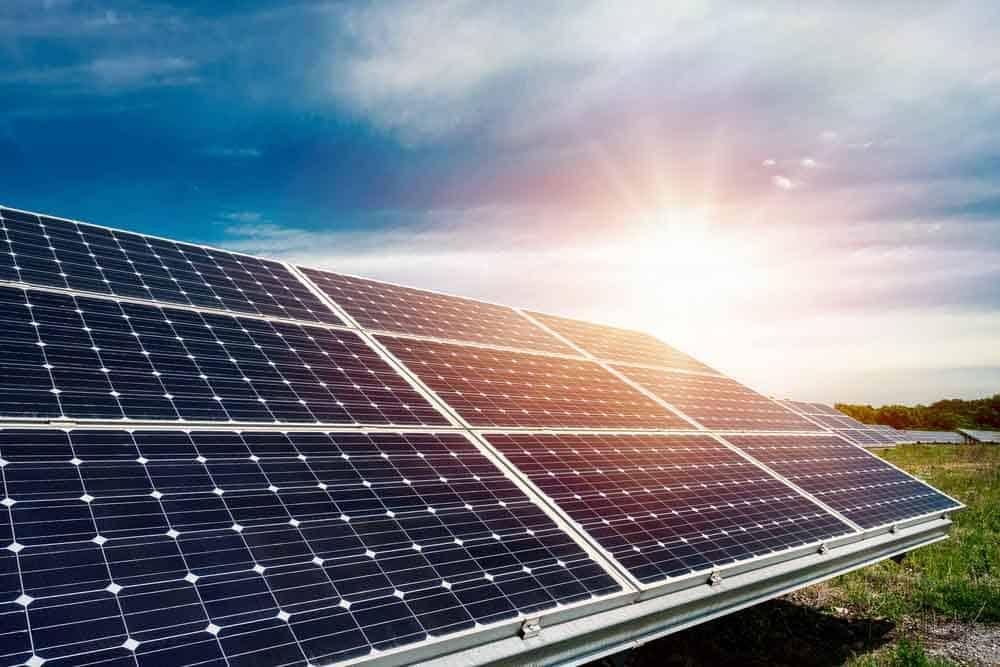 لماذا لا نعتمد كلياً على الطاقة الشمسية؟