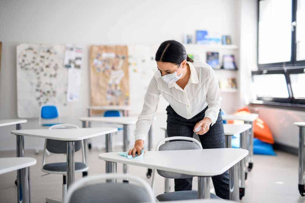التدابير والمعايير الأساسية لإعادة فتح المدارس في ظل كورونا