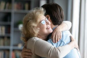 الحياة بعد جائحة كورونا: هل سنعانق أحباءنا مجدداً؟