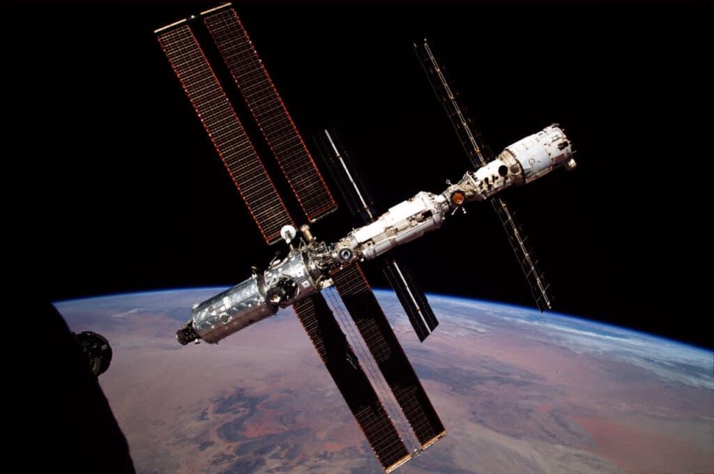 بـ400 مليون دولار: ناسا تكشف عن خطة بناء محطات فضائية خاصة