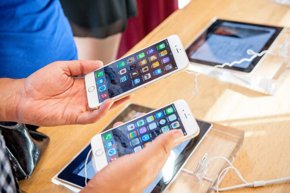 هكذا تحتفظ بملفات هاتفك القديم قبل شراء هاتف جديد
