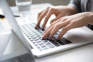 6 نصائح للبحث عن فرصة عمل عبر الإنترنت بشكلٍ أفضل