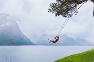 أحلام اليقظة: لا تخَف من البقاء وحيداً مع مخيلتك