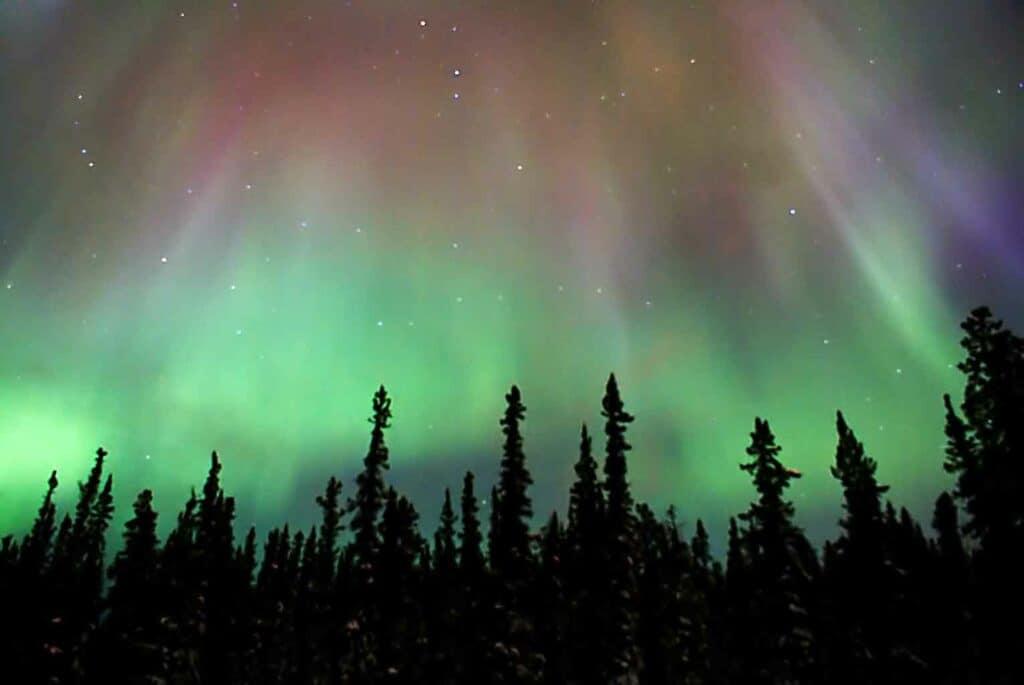 ماذا سيحدث لو انقلب المجال المغناطيسي للأرض؟