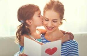 لماذا يحب الناس التقبيل؟