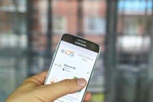 دليلك لنقل ملفاتك عند تحويل استخدامك من هاتف أندرويد إلى آيفون