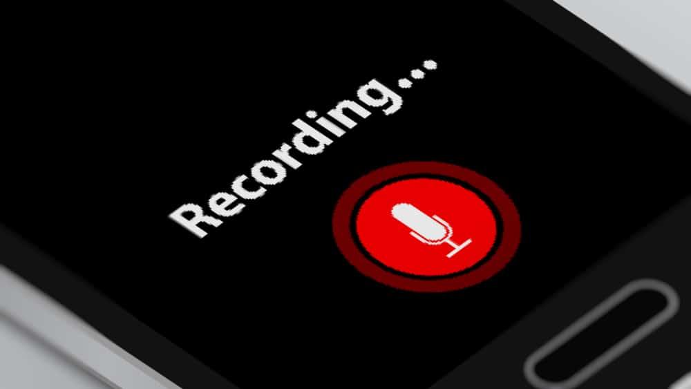 بين سامسونج وآيفون: إليك كيفية تسجيل المكالمات الهاتفية