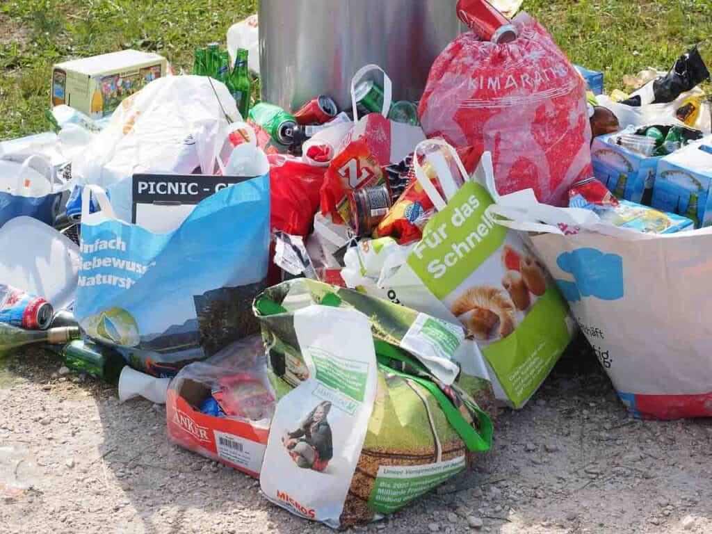 هل سنتمكن يوماً ما من إعادة تدوير البلاستيك كله؟