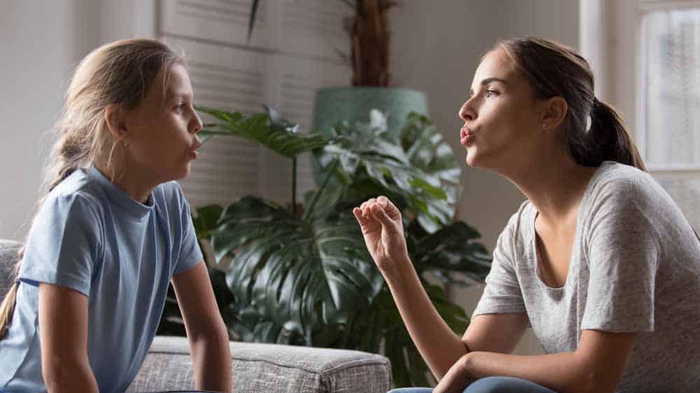 معالجة النطق وحده قد لا تكون كافيةً لعلاج التلعثم