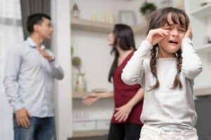 كيف يؤثر العنف المنزلي على صحة الأطفال؟