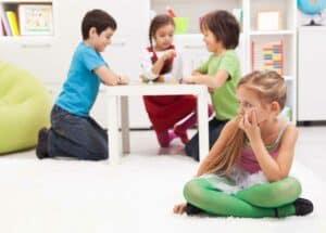 خطوات نساعد بها أطفالنا على العودة إلى الحياة الاجتماعية الطبيعية مجدداً
