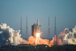 الصاروخ الصيني: هل هو خارج عن السيطرة فعلاً؟