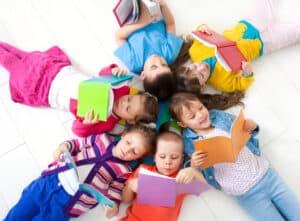 تريد تعليم طفلك القراءة السريعة؟ اتبع هذه الطرق