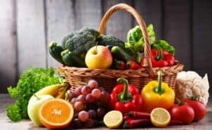 دليلك الصحي لتناول ما يكفي من الفواكه والخضروات يومياً