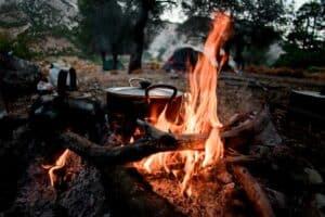 في الرحلات: 7 نصائح لإشعال النار وإخمادها دون التسبب في حدوث كارثة