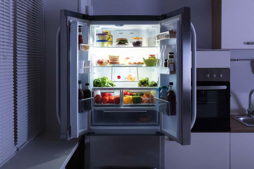 المسؤول عن طعامك في غيابك: كيف تعمل الثلاجة؟
