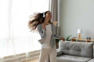 هل يلعب الرقص حقاً دوراً في علاج المشاكل النفسية العميقة؟