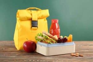 4 نصائح لإعداد وجبة الغداء المدرسية الصحية لأطفالك
