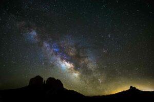 كم عدد النجوم في الفضاء؟